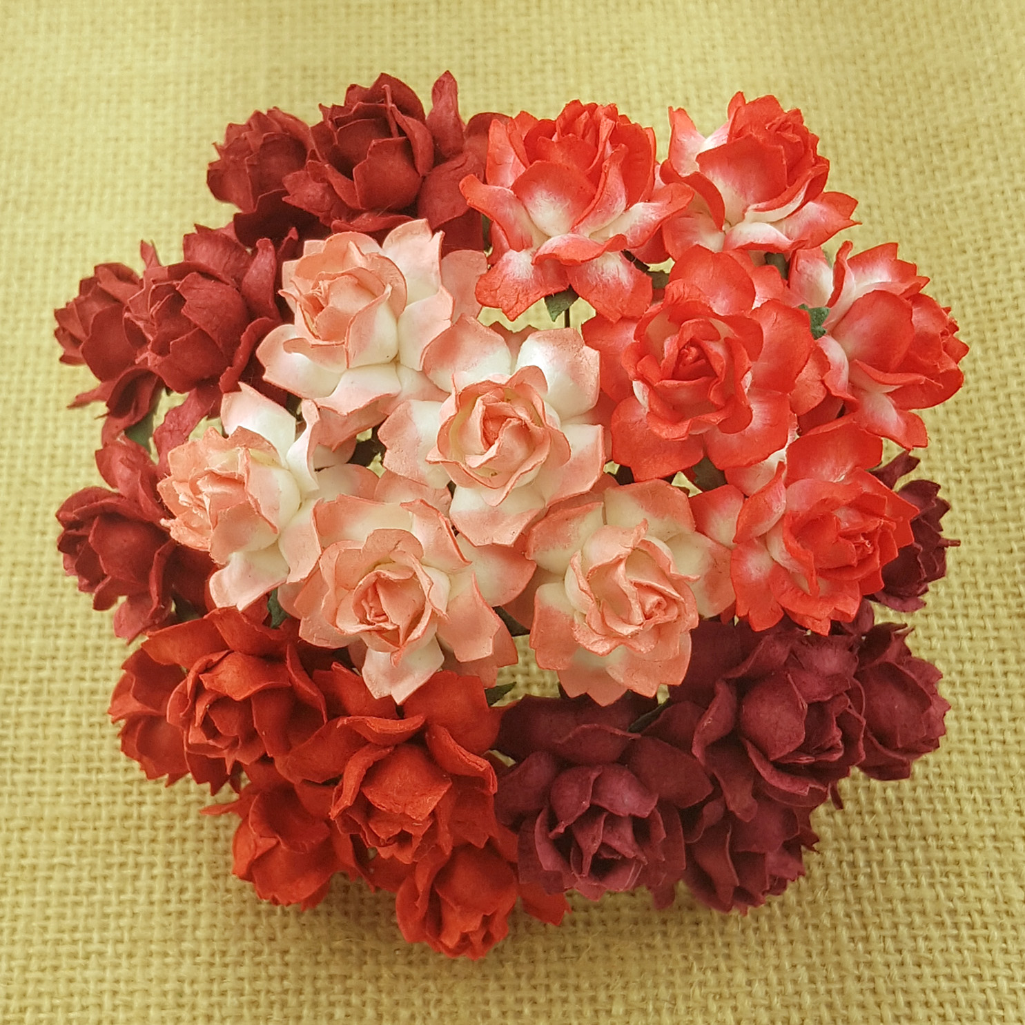 50 MIXED RED TONE MULBERRY PAPER COTTAGE ROSES - 5 COLOR
