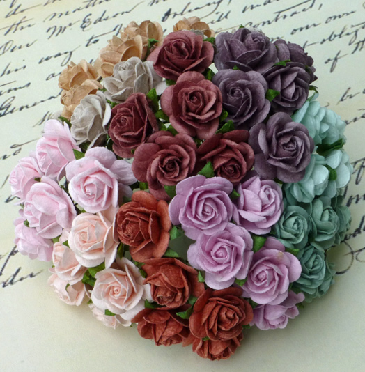 100 MIXED VINTAGE COLOUR OPEN ROSES