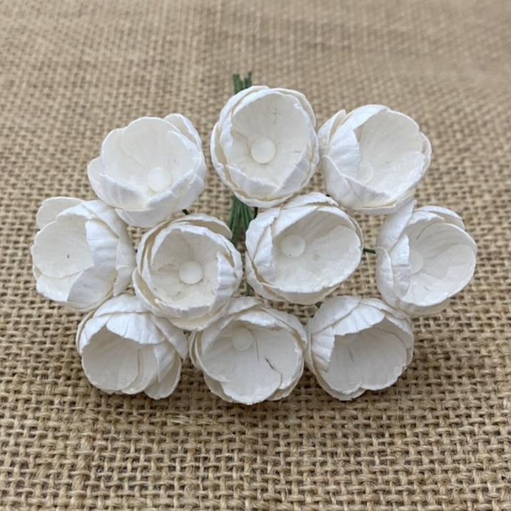 50 WHITE MULBERRY PAPER BUTTERCUPS